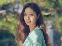 김유리  여자  26세  무표정한 정면 얼굴